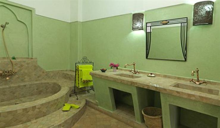Alojarse en un hotel riad en marrakech es la mejor forma for Diseno de habitacion con bano privado