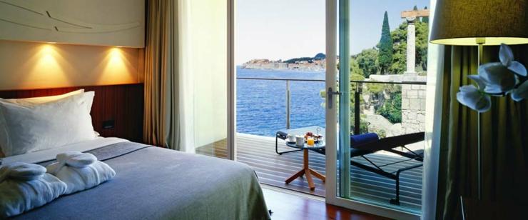 Disfrutar de vacaciones con sol y playa en uno de los for Hoteles con habitaciones comunicadas playa