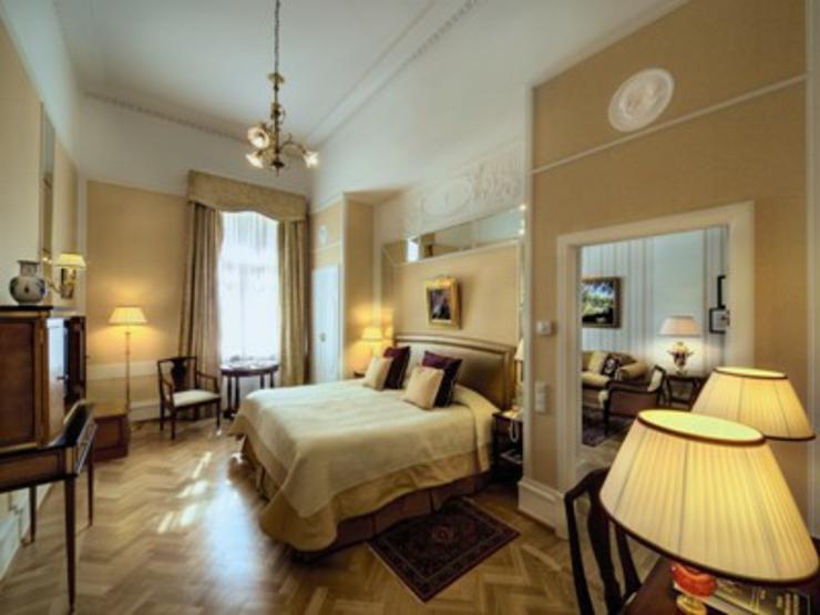 Alojamiento en el hotel con encanto m s lujoso de san for Hoteles con habitaciones en el agua