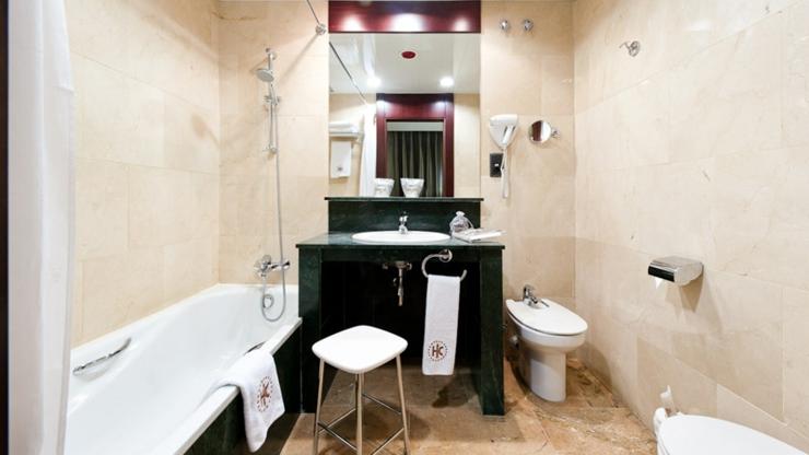 Hotel catalonia eixample 1864 es un maravilloso hotel en barcelona con ubicaci n c ntrica ver for Ver banos completos