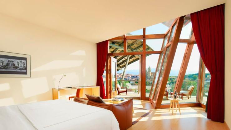 hotel marqu s de riscal es un lujoso hotel en la rioja