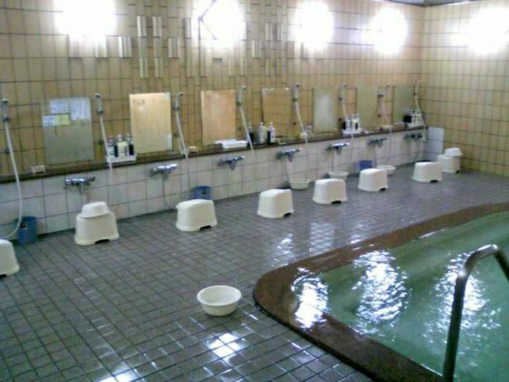 El hotel tradicional japonés se llama ryokan y ofrece alojamiento ...