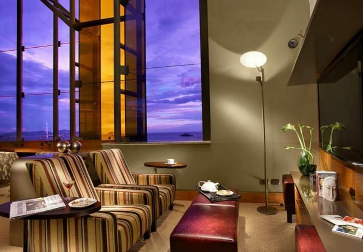 elegante suite vistas hotel copacabana