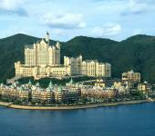 lujo glamour hotel castle dalian china