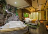 fantasyland hotel edmonton canada