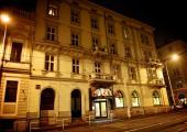 hotel-praga-ocupa-edificio-historico