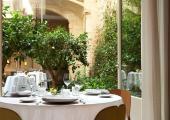 patio interior hotel mercer barcelona