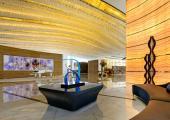 vestibulo impresionante hotel ultramoderno
