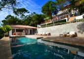 relax piscina con vistas