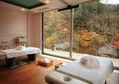 habitacion amplia poco muebles
