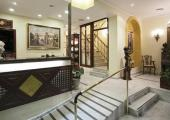 entrada pequeno comodo hotel