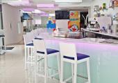 elegante cafeteria diseno minimalista
