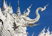templo budista lleno simbolos